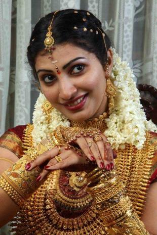 Goldladden Bride of Kerala-Photo Courtesy Vipul Deasi