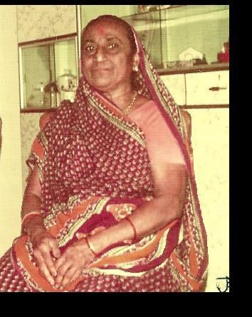 માતુશ્રી શાંતાબેન ( અમ્મા )( ફોટો-૧૯૭૯ )