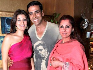 Akshay_Kumar_with_family