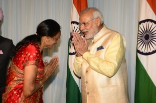 ganpat ptel's wife manjula patel meeting pm modi
